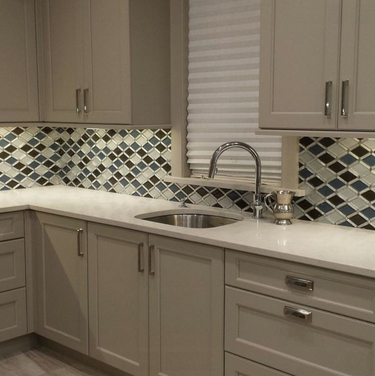 Solid Glass Backsplash Kitchen: GLAZZIO FALLING STAR 2
